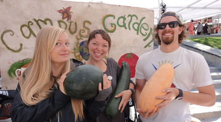 web_2014_September_4_FarmersMarket_CampusGardens2-BANNER