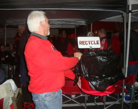 Fans segregate recyclables.
