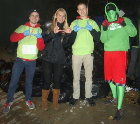 Recycle Rice-Eccles volunteers show their support for the University.