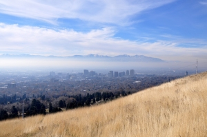 An inversion traps pollutants in the Salt Lake Valley. Photo by Tony Frates, Flickr