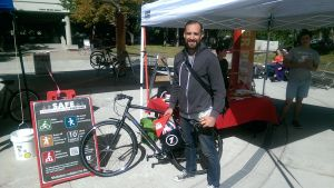 A student poses with the bike he rented through the Smart CommUte program