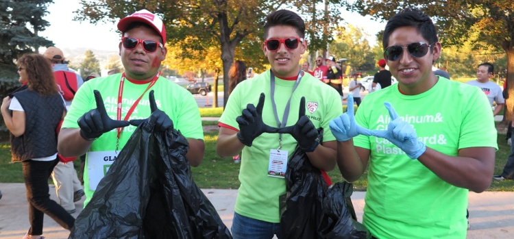 Go Utes! Student volunteers at Recycle Rice-Eccles.