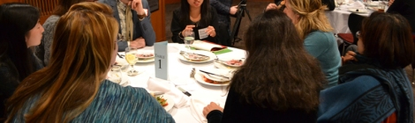 Students speak with faculty mentors at the Earth U dinner in 2015.